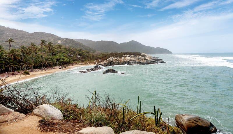 Strand bij het Nationale Park Santa Marta van Tayrona in Colombia royalty-vrije stock fotografie