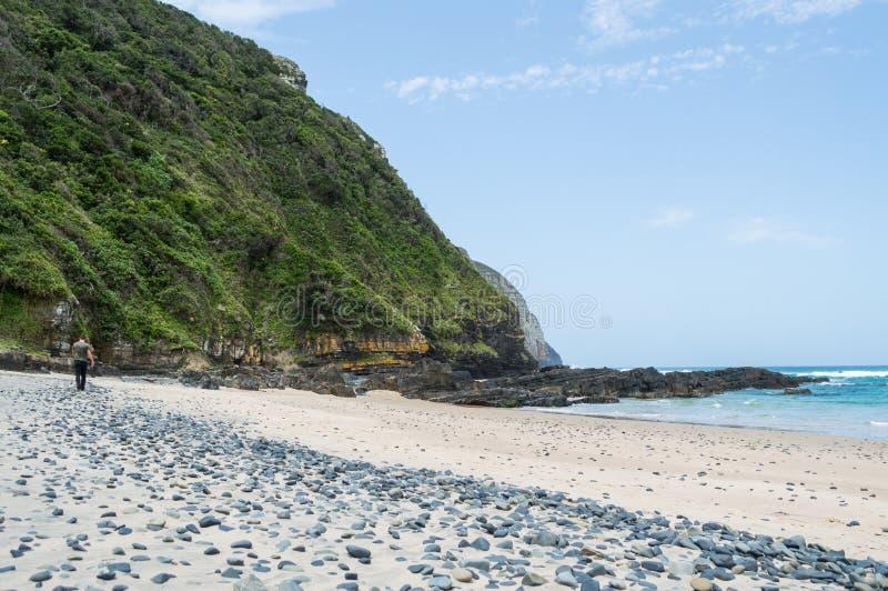Strand bij Koffiebaai, Oostelijke Kaap, Zuid-Afrika stock foto's