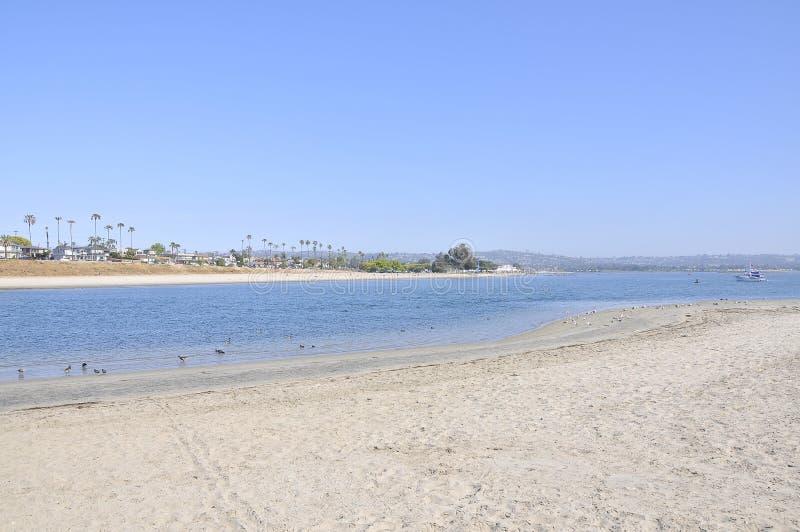 Strand bij Opdrachtbaai stock afbeelding
