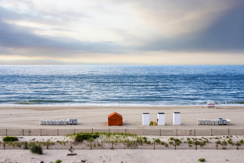 Strand bij zonsopgang, Kaap Mei, New Jersey, de V.S. royalty-vrije stock fotografie