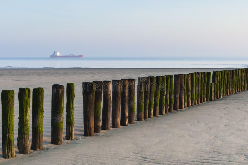 Strand in Breskens in de lente stock foto's