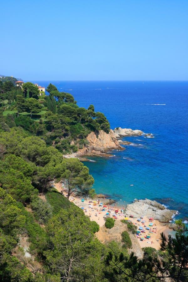 Strand Cala-Boadella (Costa Brava, Spanien) stockbild