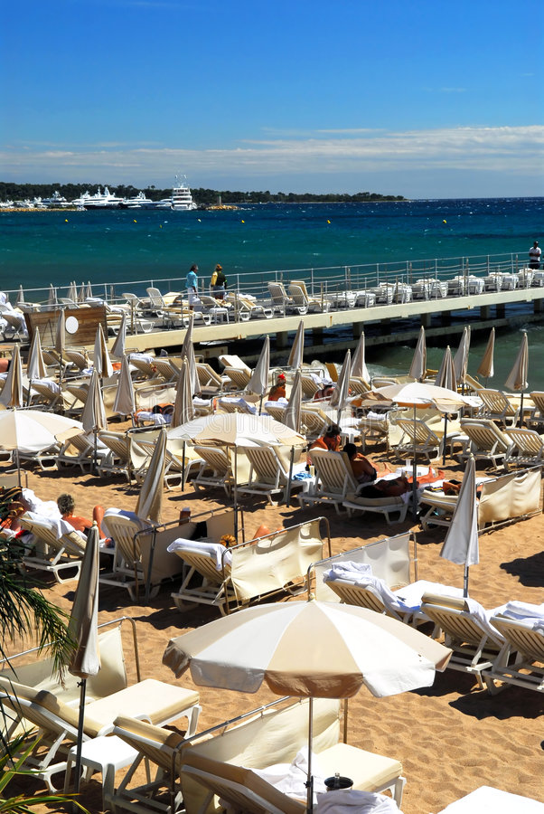 Strand in Cannes stockfoto