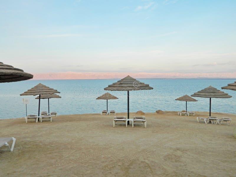 Strand des Toten Meers, Jordanien lizenzfreie stockfotos