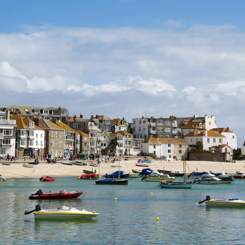 Strand en haven van StIves in Cornwall stock foto's