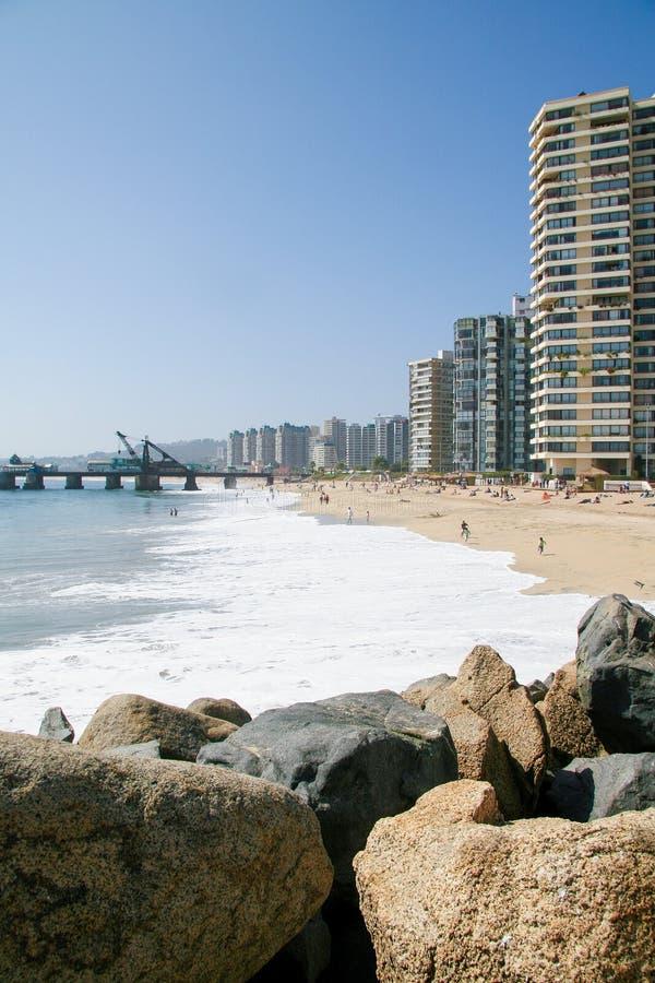 Strand en horizon van Vina del Mar, Chili royalty-vrije stock fotografie