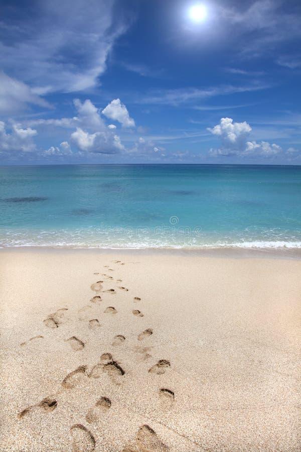 Strand en voetafdruk stock fotografie