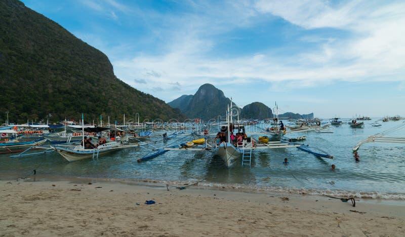 Strand för El Nido - Palawan - Filippinerna royaltyfri foto