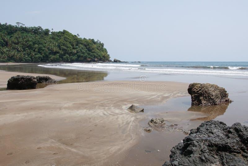 Strand för sju våg, São Tomé och Príncipe royaltyfri fotografi