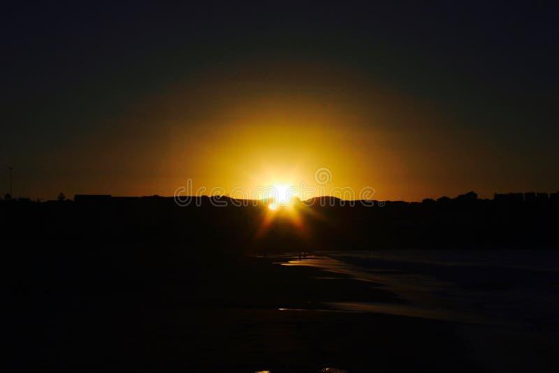 Strand för soluppgång 6am Bondi royaltyfri foto