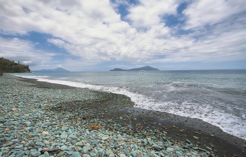 Strand in Flores-eiland royalty-vrije stock afbeeldingen