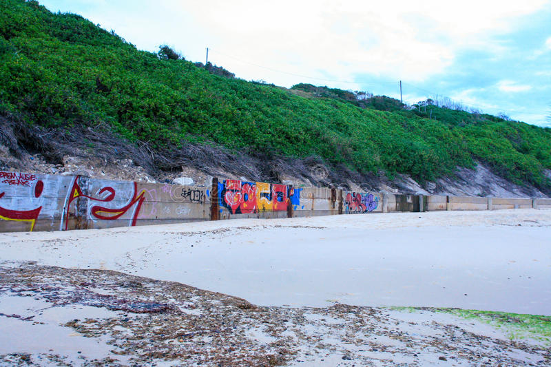 Strand-Graffiti lizenzfreie stockfotografie