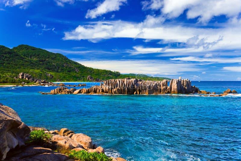 Strand Grote Anse bij La Digue, Seychellen van het eiland stock foto
