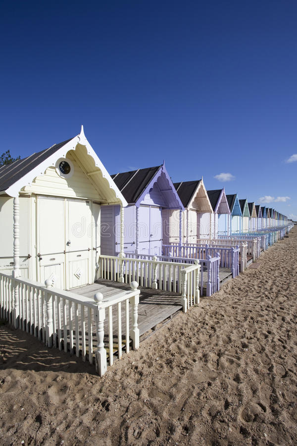 Strand-Hütten, WestMersea, Essex, England lizenzfreies stockfoto