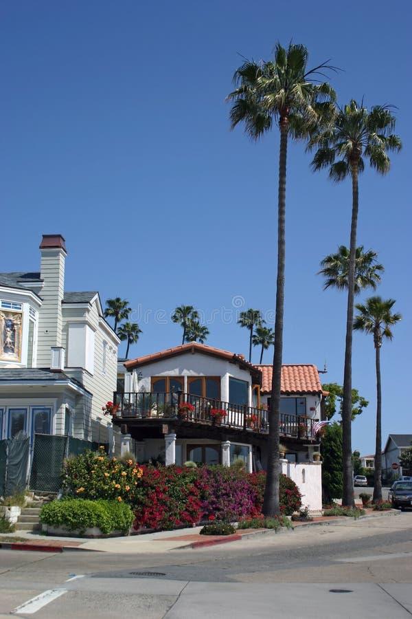 Download Strand-Haus stockfoto. Bild von kalifornien, himmel, bäume - 25790