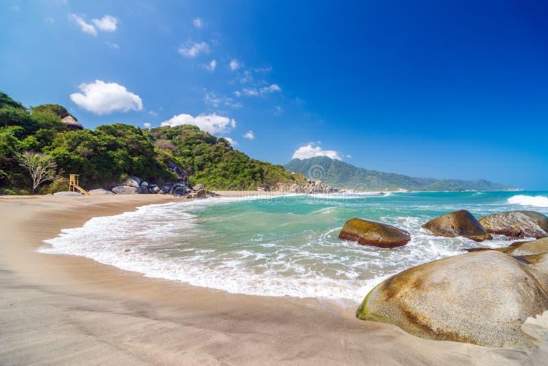 Strand in het Nationale Park van Tayrona royalty-vrije stock afbeelding