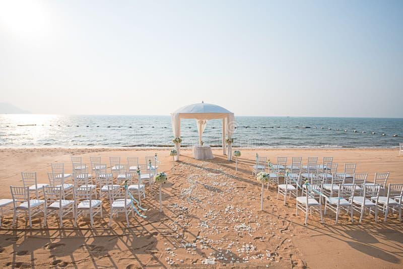Strand-Hochzeits-Einrichtung stockbilder