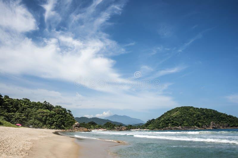 Strand i Trinidade - Paraty, Rio de Janeiro arkivbilder