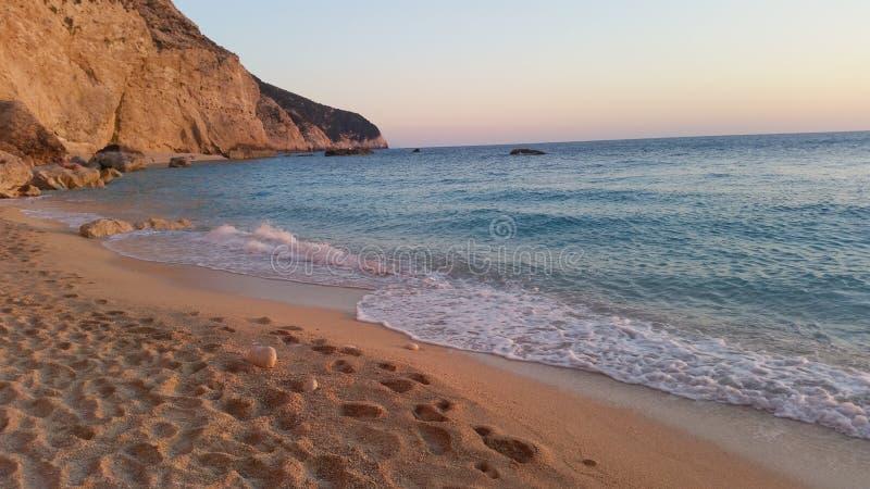 Strand in ionischem Meer stockbilder