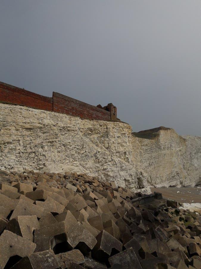 Strand, Klippe und Meerblick Seaford Ost-Sussex lizenzfreie stockfotografie