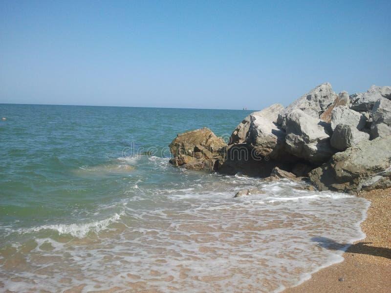 Strand med stenar fotografering för bildbyråer