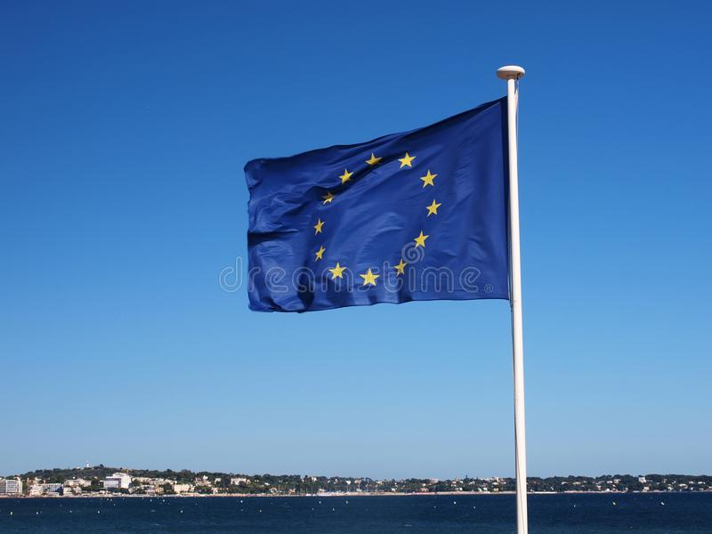Strand Met De Vlag Van Europa Stock Foto