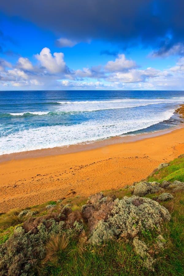 Strand nahe großer Ozean-Straße stockfotografie