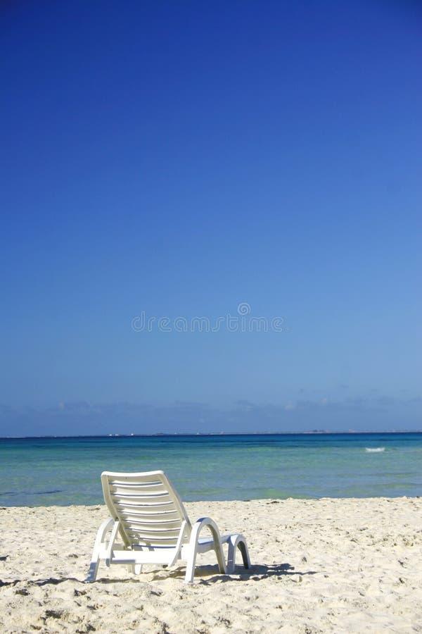 Strand-Nichtstuer lizenzfreies stockfoto