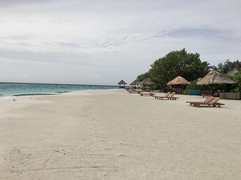 Strand op de eilanden van de Maldiven stock afbeelding