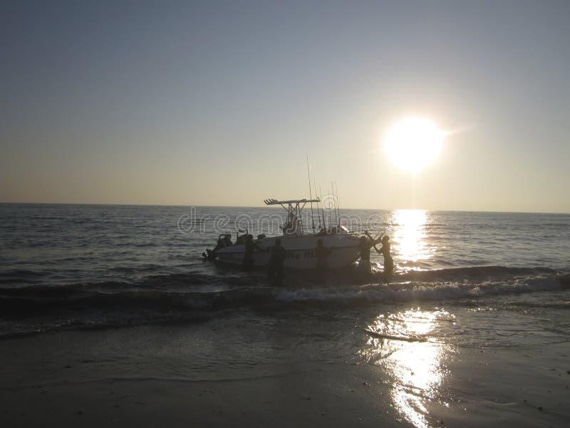 Strand op de kust van Mozambique royalty-vrije stock foto's