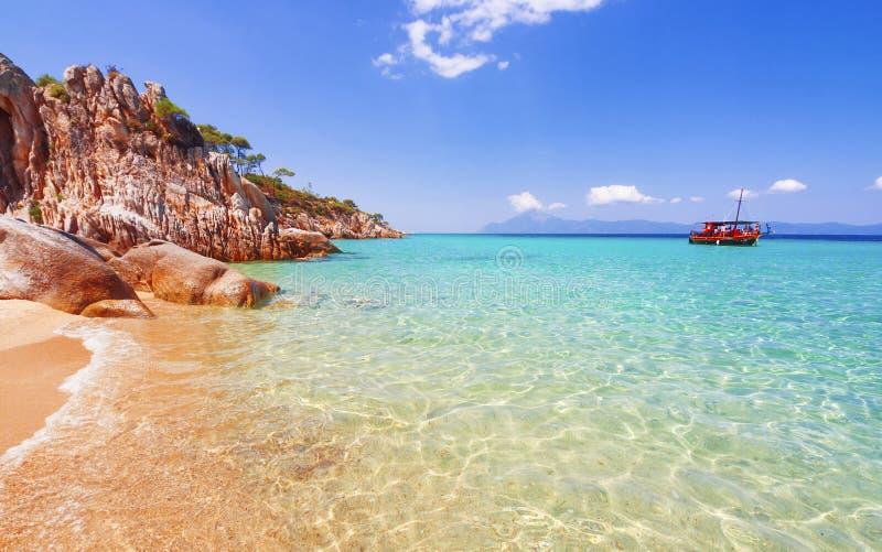 Strand op Halkidiki, Sithonia, Griekenland royalty-vrije stock afbeelding