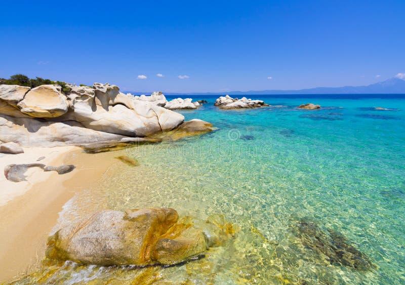 Strand op Halkidiki, Sithonia, Griekenland royalty-vrije stock foto's