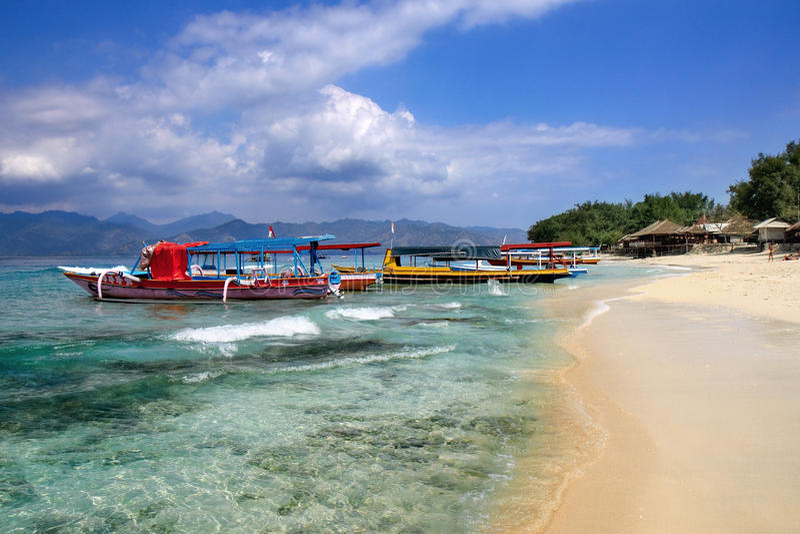 Strand op het eiland van de Lucht Gili stock fotografie