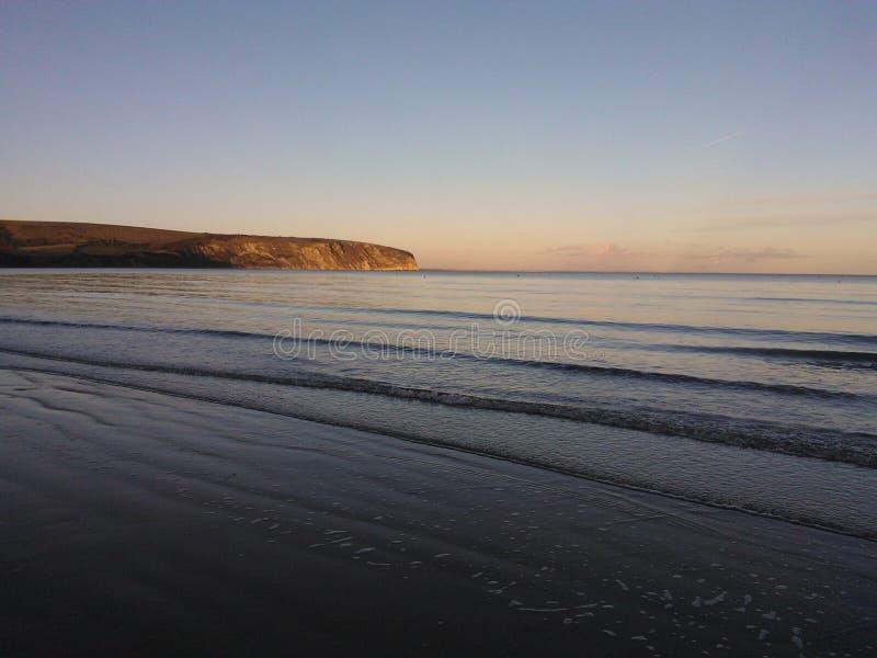 Strand på skymningen royaltyfri fotografi