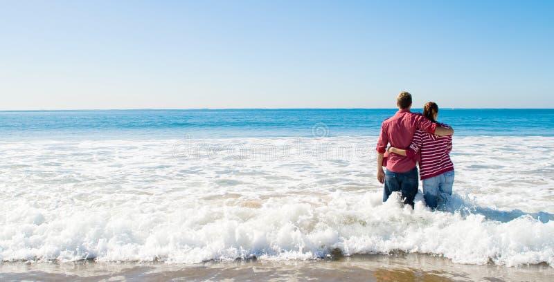 strand paar stock afbeelding