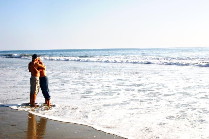 Strand-Paare lizenzfreies stockfoto