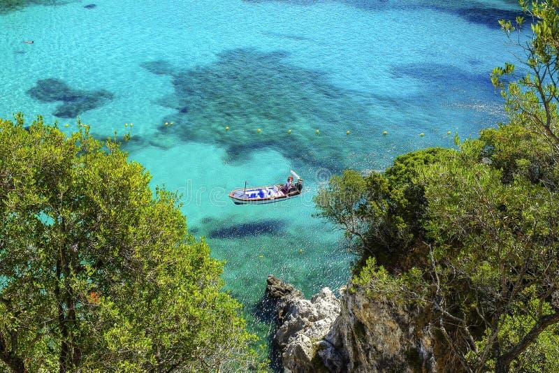 Strand Palaiokastritsa på ön Korfu, Grekland arkivbilder
