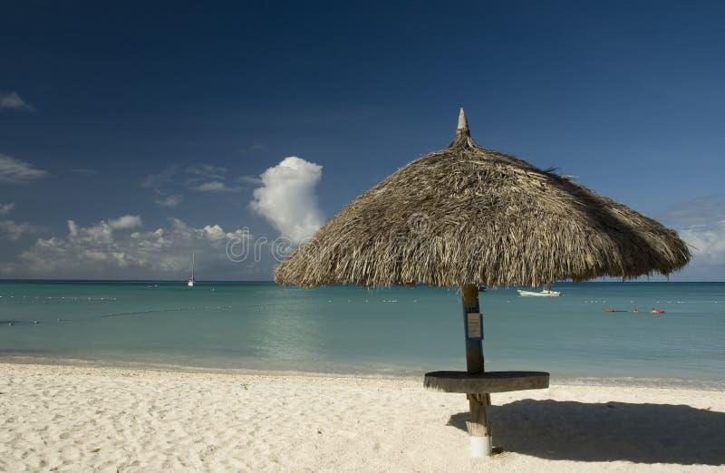 Strand palapes stockbild