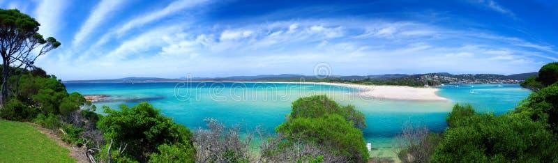 Strand-Paradies-Panorama lizenzfreies stockfoto