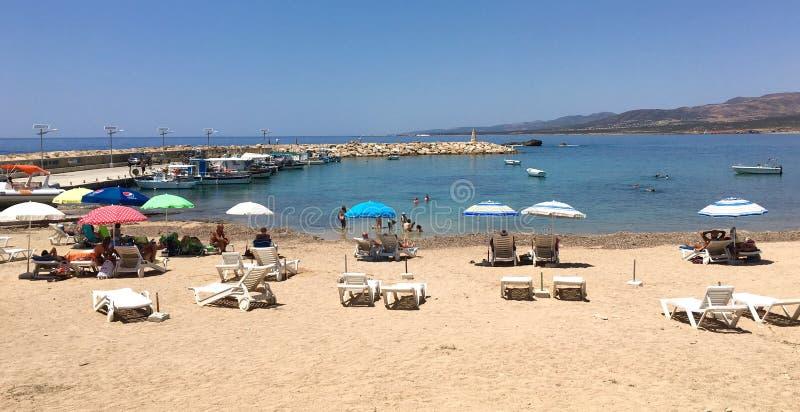 Strand in Pegeia lizenzfreies stockbild