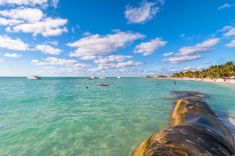 Strand Playa Del Norte in Isla Mujeres, Mexiko lizenzfreie stockfotos