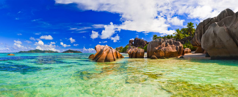 Strand-Quelle d'Argent bei Seychellen stockfotos