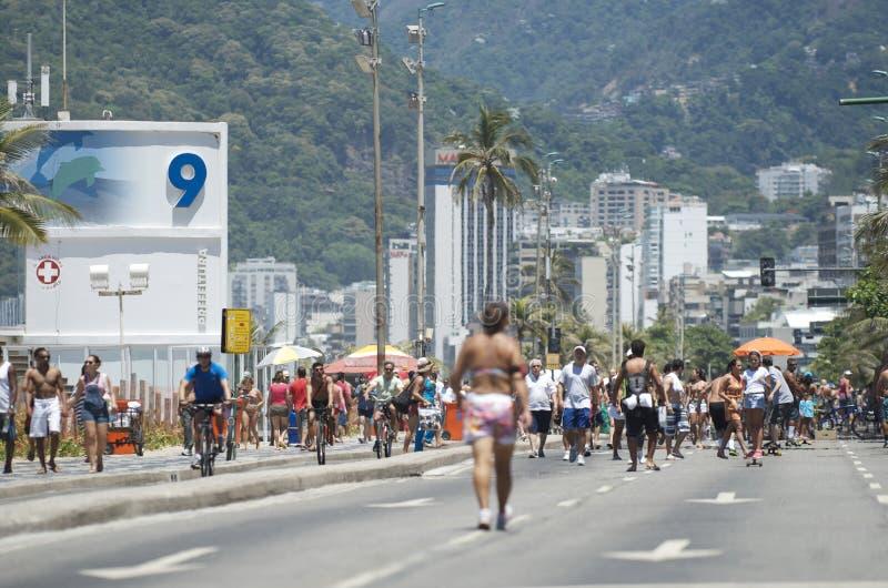 Strand Rio Summer Crowd Posto Nove Ipanema lizenzfreies stockbild