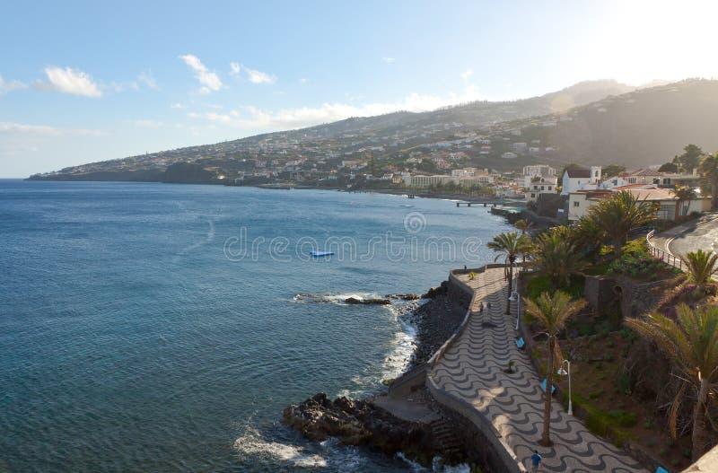 Strand in Santa Cruz, het eiland van Madera, Portugal royalty-vrije stock afbeelding