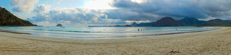 Strand Selong Belanak, Lombok, ein verstecktes Paradies in West-Nusa Tenggara, Indonesien stockbilder