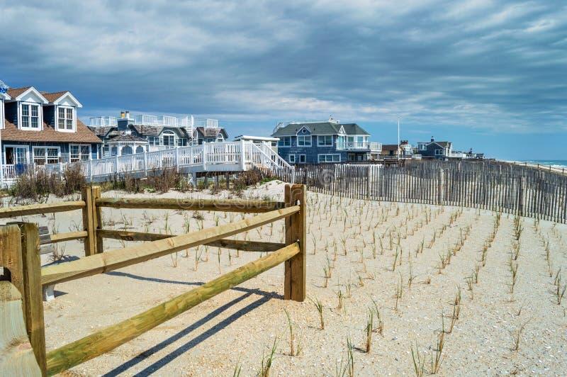 Strand steuert Brandungs-Stadt automatisch an lizenzfreies stockbild