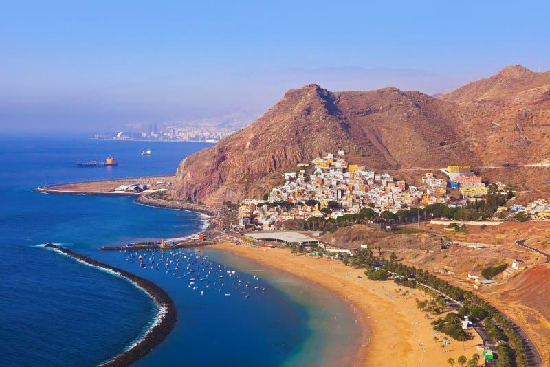 Download Strand Teresitas In Tenerife - Canarische Eilanden Stock Foto - Afbeelding bestaande uit zand, nave: 54090246