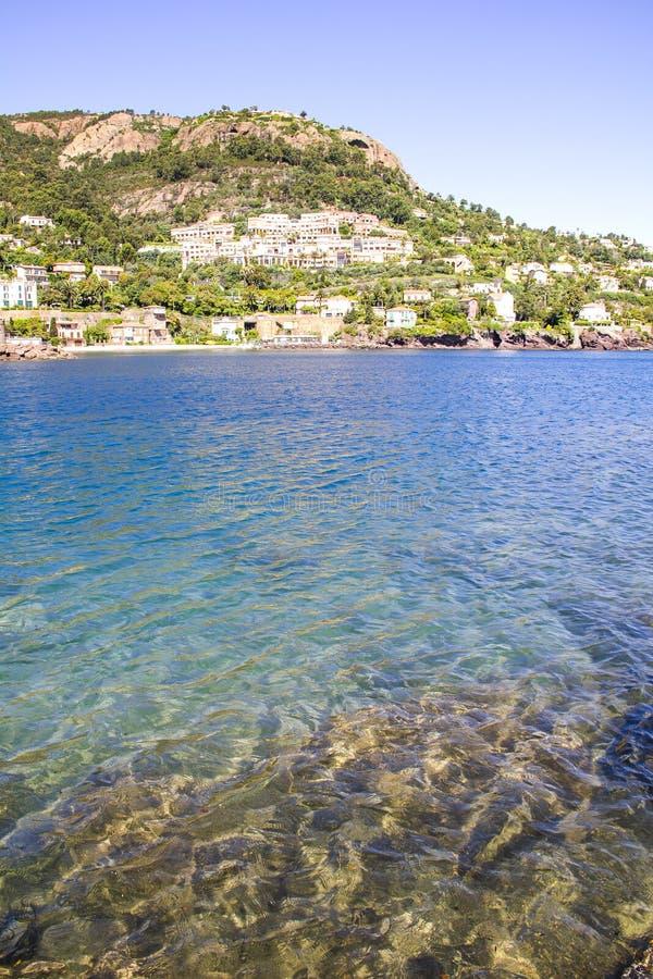Strand in Theoule sur Mer, Cotê d'Azur stock afbeeldingen