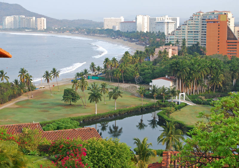 Strand- und Hotelansicht stockfoto