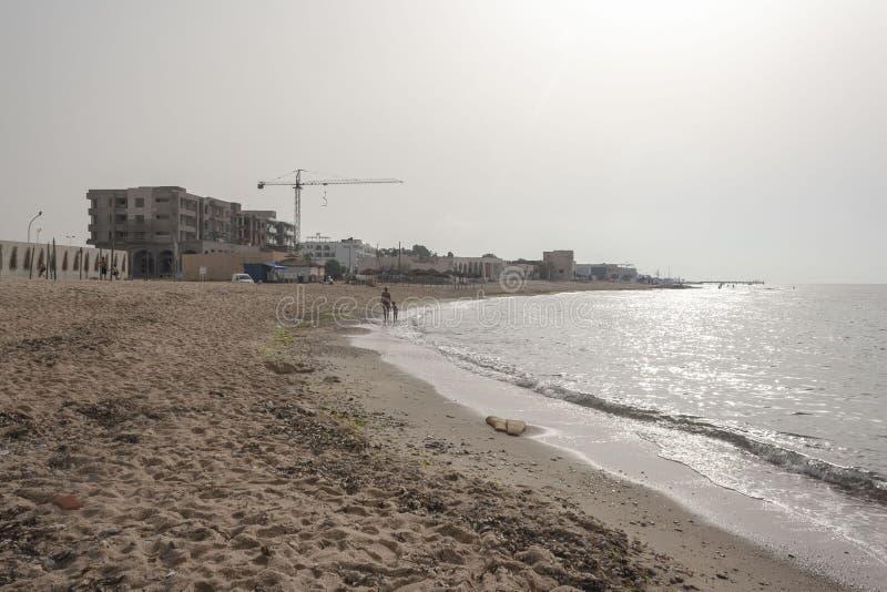 Strand und Meer in Nabeul-Tunisia lizenzfreie stockfotografie